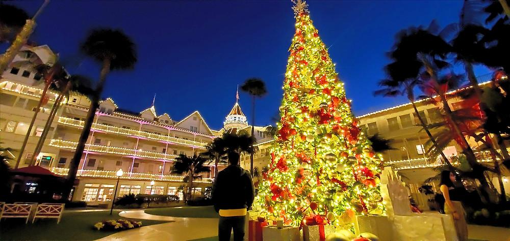 christmas hotel del coronado