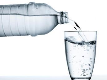 5 motivos para você beber água em jejum