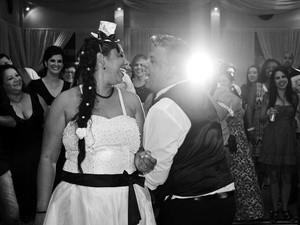 Sem grana para casar? Convidados bancam a festa para você