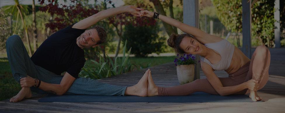 Posture de yoga duo.jpg