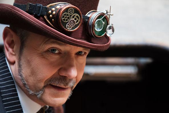 Sir Peter Steam ganz nah...