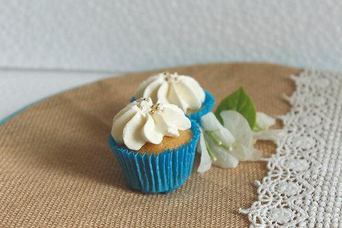 Vanilla Cupcakes (6)
