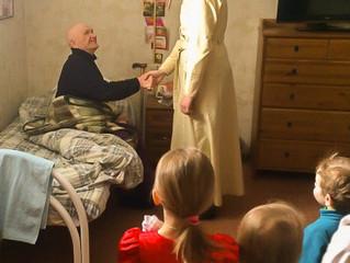 Пасхальное поздравление в доме престарелых