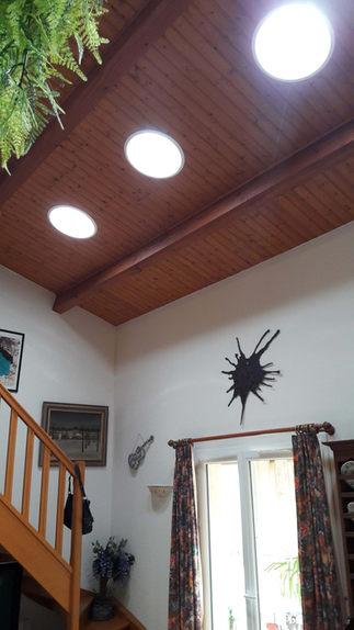 Puits de lumière dans une salon