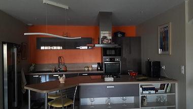 Conduit de lumière dans une cuisine avant