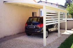 Abri voiture avec claire voie
