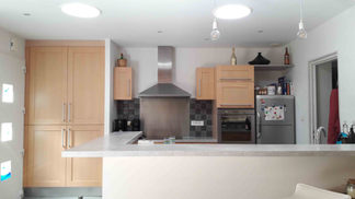 Conduits de lumière dans une cuisine