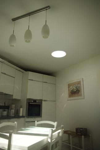 Conduit de lumière dans une cuisine
