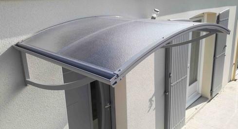 Marquise structure en aluminium gris clair