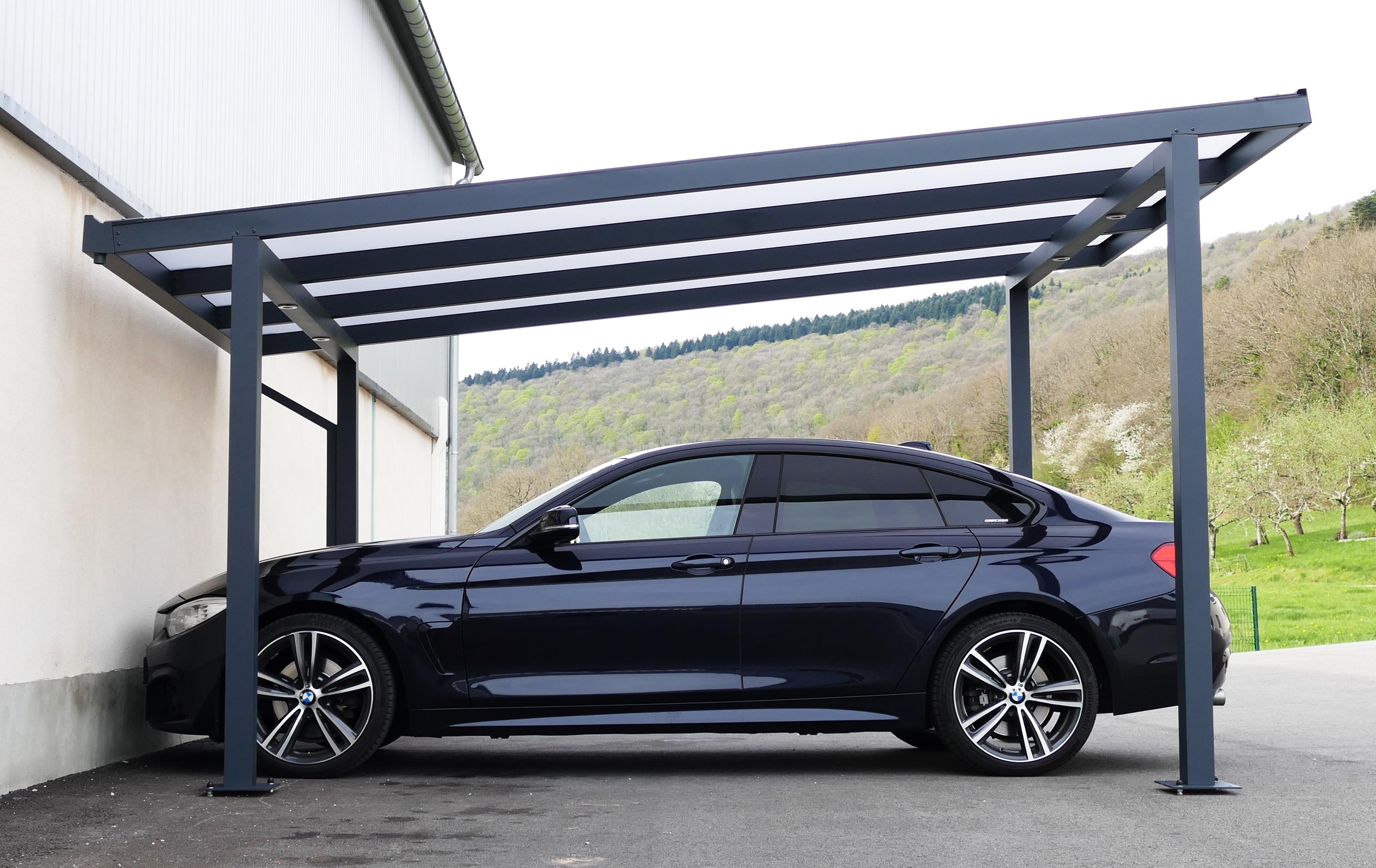 Carport en aluminium toit plat.
