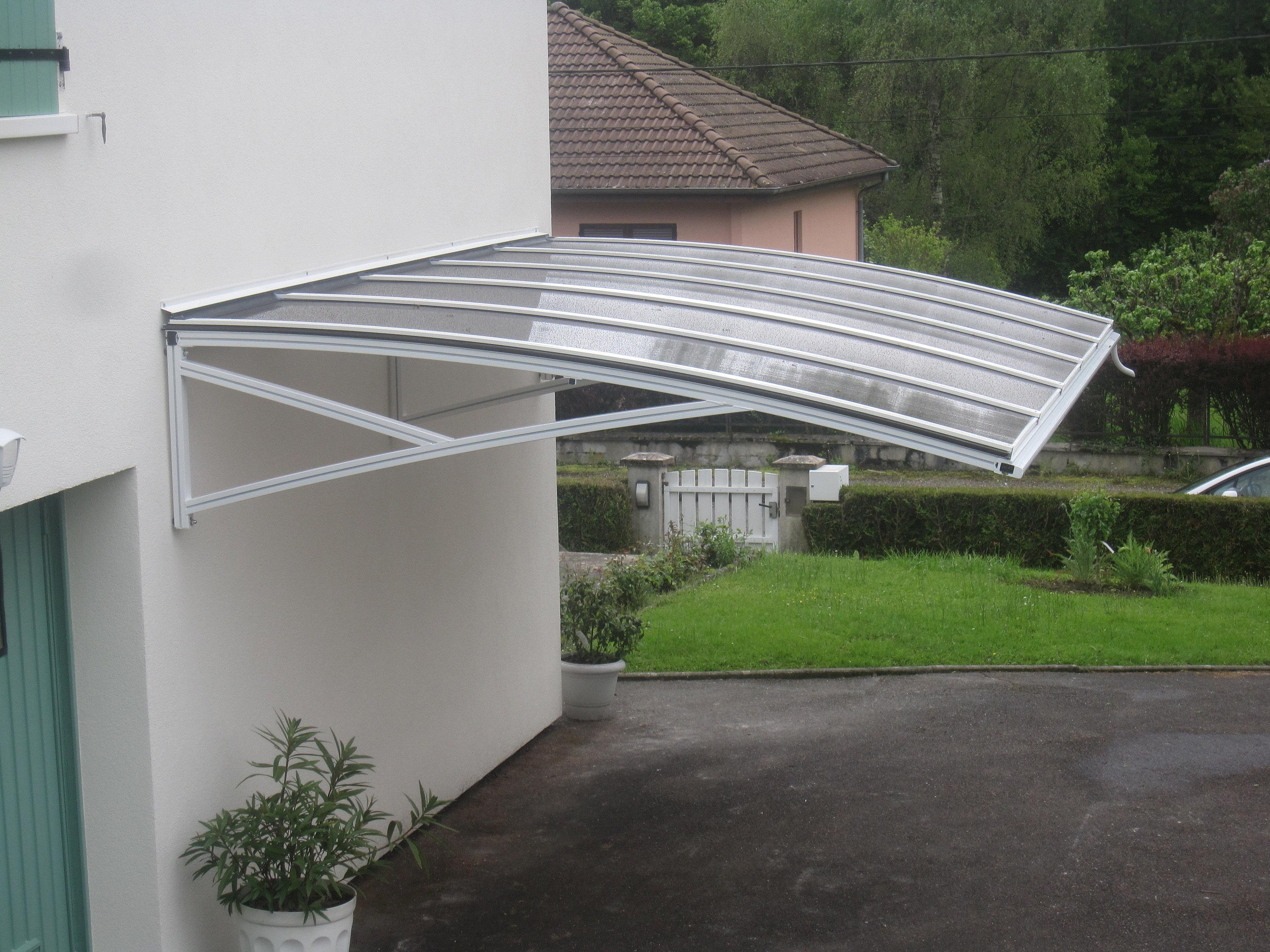 pergola aluminium le site des pergolas alu pergola suspendue polycarbonate. Black Bedroom Furniture Sets. Home Design Ideas