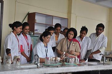 H V Desai College Lab.jpg
