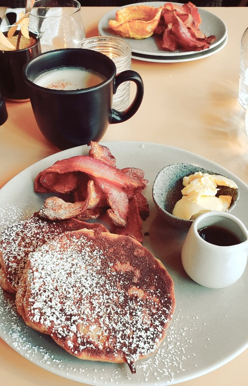 pancakes bacon chai latte