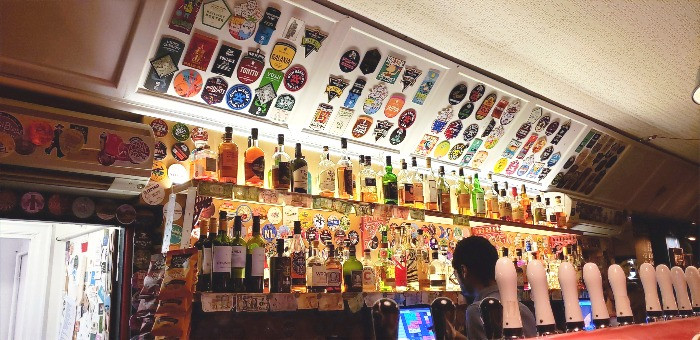 50 different beers bar