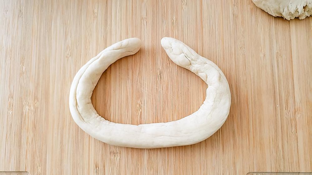 circular dough in circle pretzel