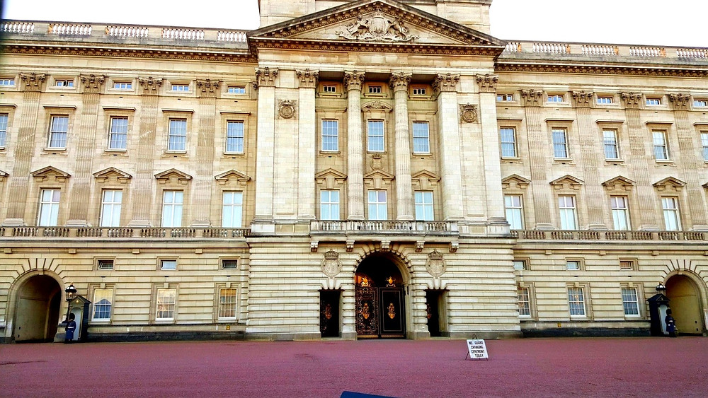 buckingham palace changing of guard