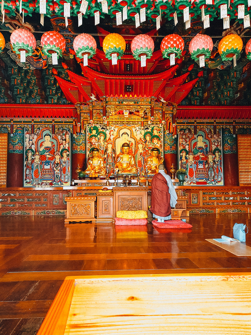 korean monk praying buddhism busan
