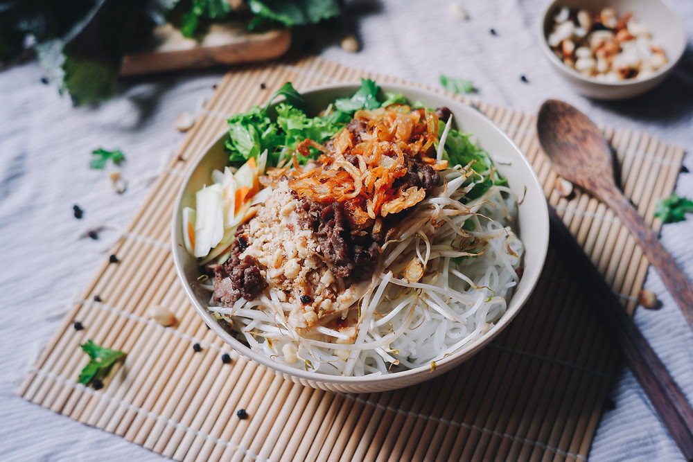 pork beef fried onions garlic vermicelli rice noodles