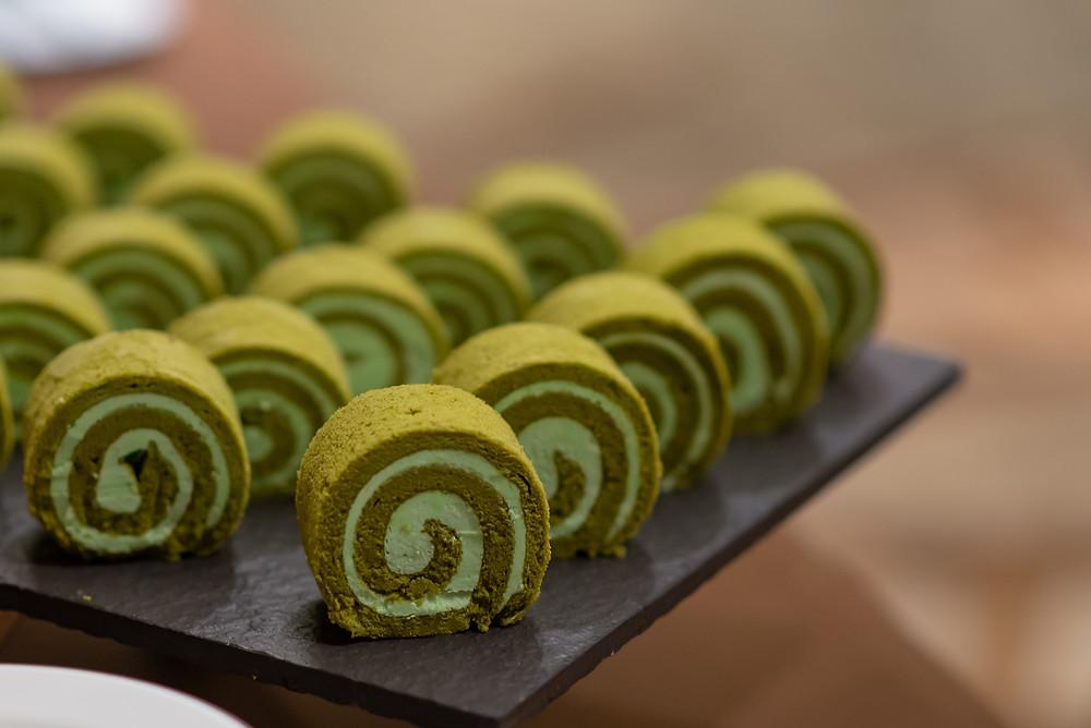 matcha swiss roll cake with matcha filling icing