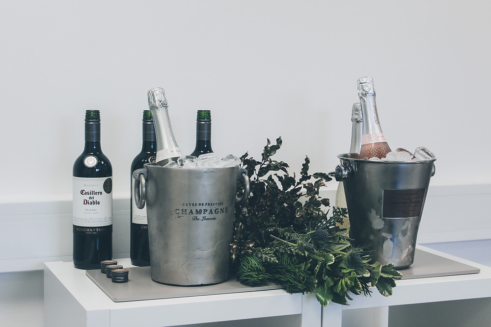 champagne wine green plants bar