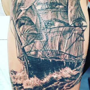 #inklife #nauticaltattoo #nta #nationaltattooassociation #hammerstattoo #tattoos #brandonlewismachines #kwadronneedles #blackandgrey #blacka