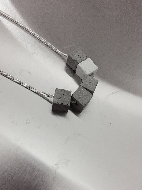 NECKLACE | Mini cubes