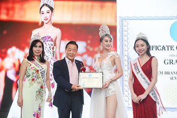 Grace Ng - iEM Brand Ambassador (2).JPG