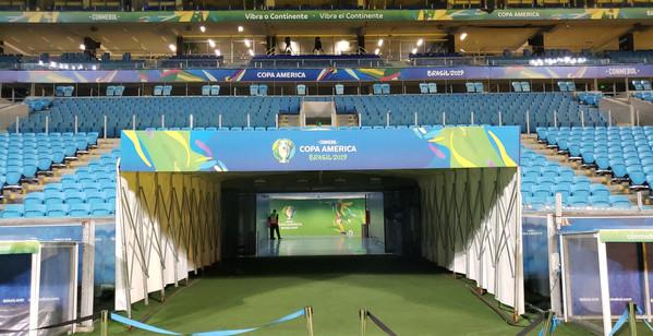 Túnel de entrada Arena do Grêmio - Comunicação Visual