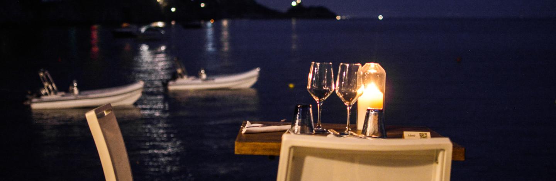cena romantina sul mare