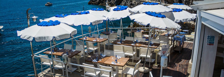 ristorante romantico sul mare amalfi