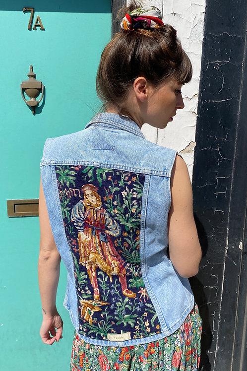 Sleeveless Jacket Baroque
