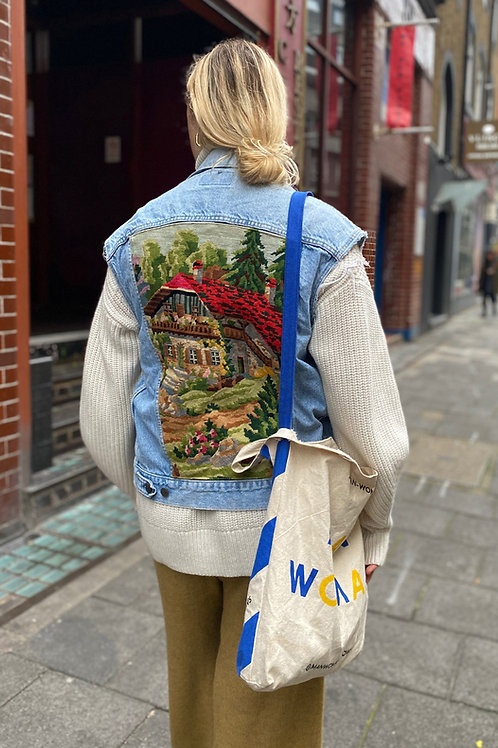 Sleeveless Jacket Swiss life