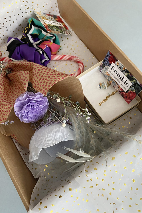 Gift Box Frankie. x Pom Pom Factory