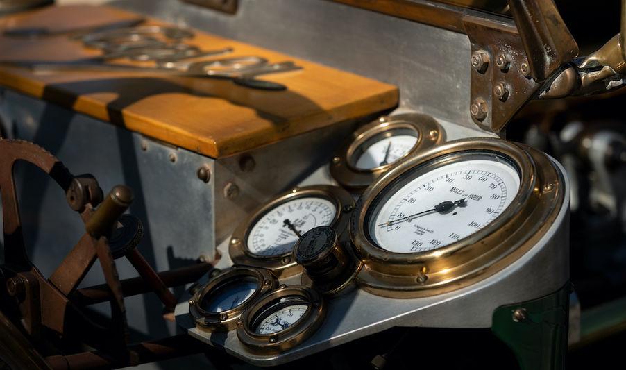 Napier L48 instruments