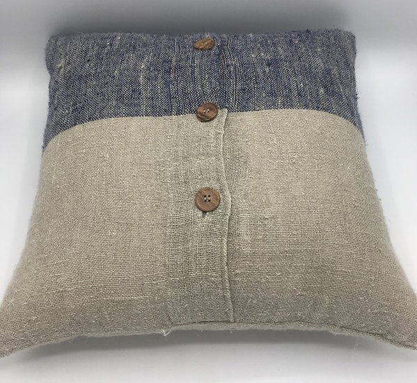 Linen Cushion with 3 Buttons