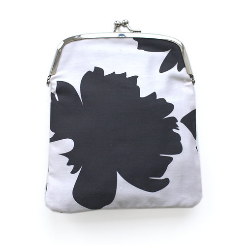 Shadow Flower Coin Purse