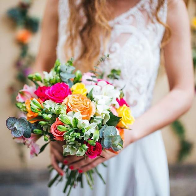 ##vladisflowers _#vladisbrideflowers _Photo by _35mm_photography _Dress by _leekodo hair&makeup by _shoshiofir model _coralc