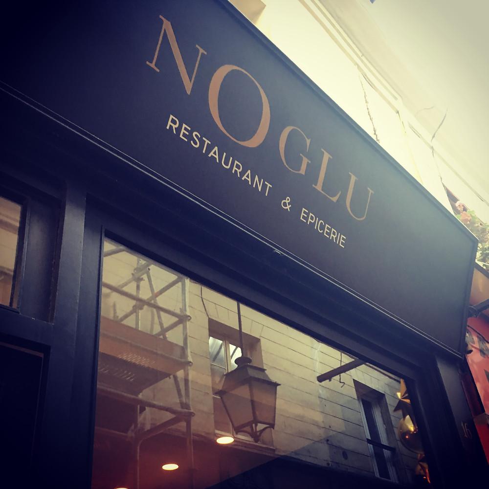 Vitrine du restaurant & épicerie Noglu