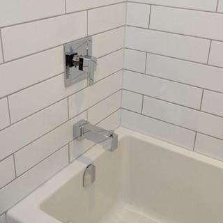 108 Bathroom.JPG