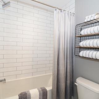 107 Bathroom.JPG