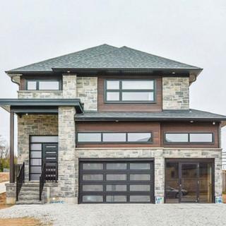 House Front1.jpg