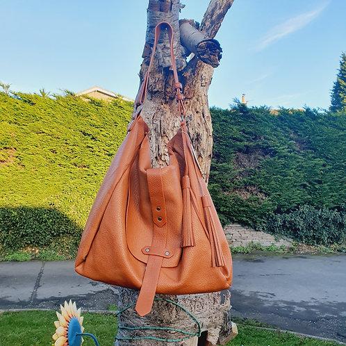 Giana Large Hobo Bag Tan