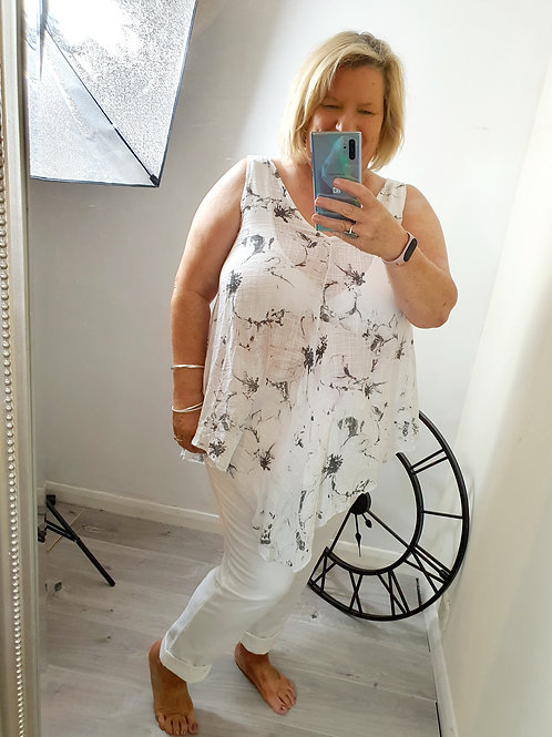 Zenda Hankerchief Top White