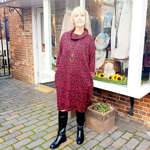Donna Cowl Neck Dress