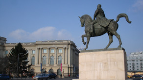 How Ideology Recycles Statues