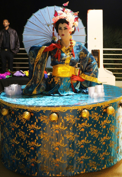 Geisha strolling table.JPG