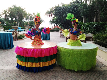 Carmen Miranda strolling table.JPG