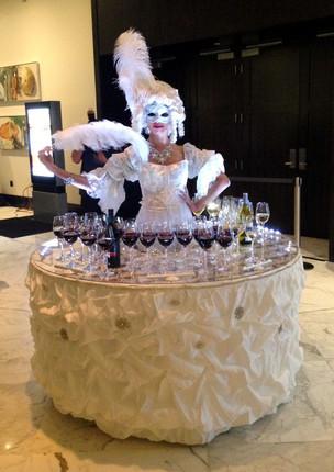 Marie Antoinette strolling table.jpg