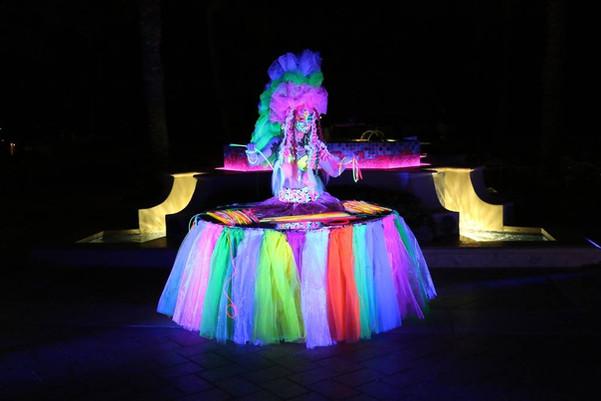 glow in dark strolling table.jpg
