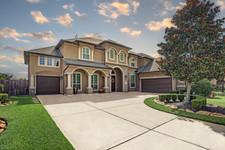 Front-HouseBlueSky2.jpg